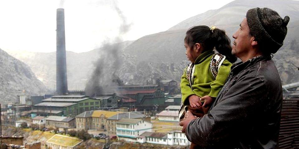 «Perú paga un alto precio por su modelo minero»