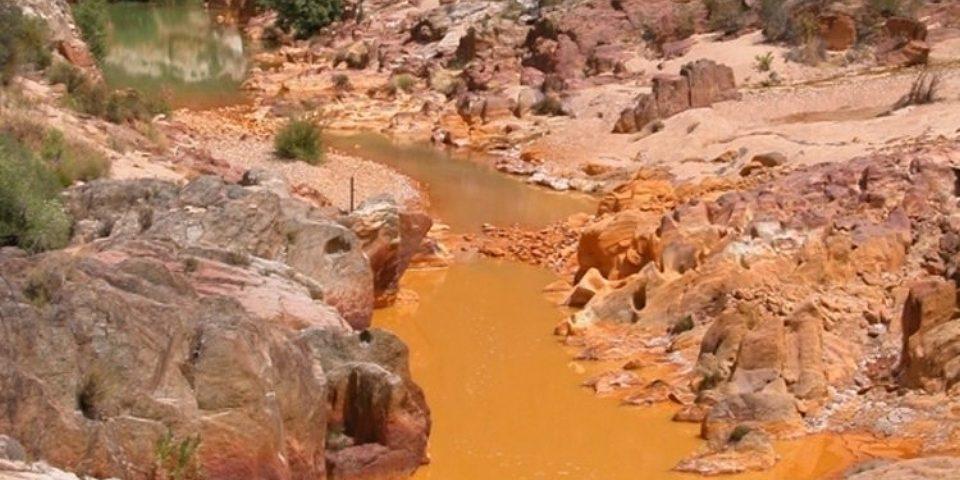 Contaminación minera hace migrar a campesinos e indígenas en Potosí