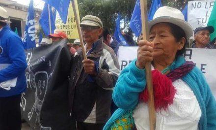 Campesinos de Azuay rechazaron la minería en una marcha