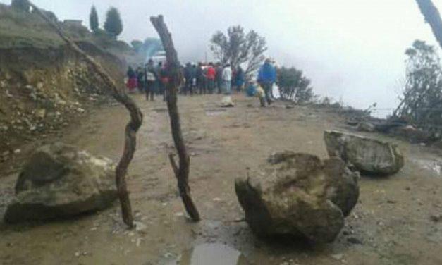 Bloquean entrada a campamento minero Río Blanco por contaminación