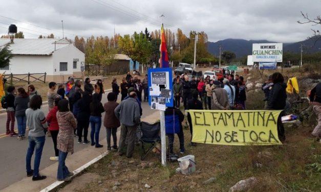 Vecinos cortan ruta contra minera Seargen S.A. en Guanchín
