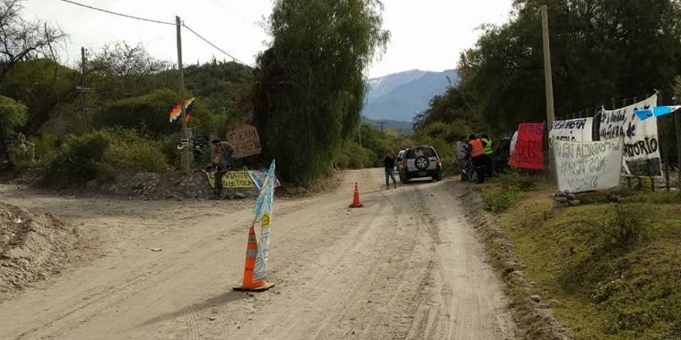 Vecinos cierran todos los accesos al Cerro Famatina para las mineras