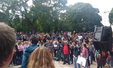Masiva asamblea contra el fracking en Mendoza capital