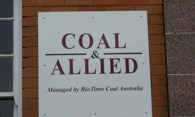 Inversionistas presionan a minera para divulgar gastos contra política climática