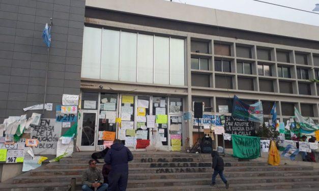 Una crisis de diseño para imponer la megaminería en Chubut
