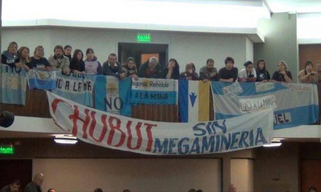 Vigilia en legislatura y marcha provincial por el No a la Mina