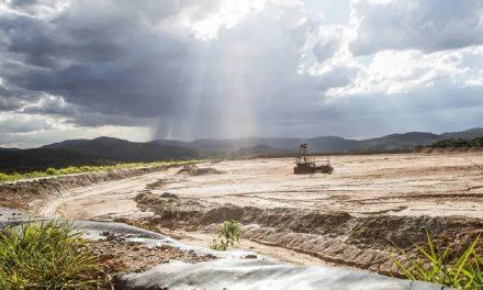 Alto riesgo en una mina abandonada en Minas Gerais