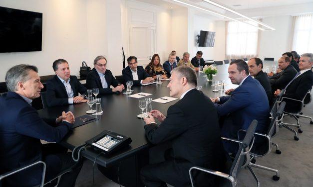 Una vez más, gobierno argentino de rodillas ante las mineras